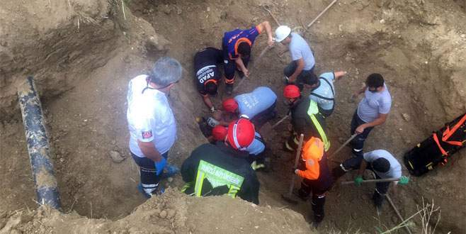 Toprak altında kalan işçinin mucize kurtuluşu!