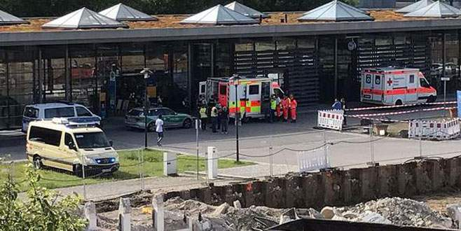 Almanya'da tren istasyonunda silahlı çatışma!