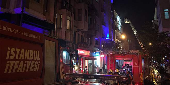 Kumkapı'da otelde yangın: 3 ölü