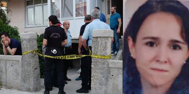 Birlikte yaşadığı kadını öldürüp intihar etti