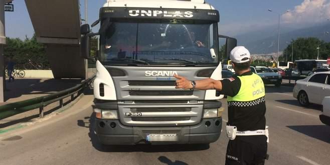 Bursa'da kamyonlara ceza yağdı