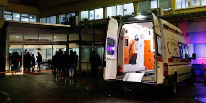 Yol kenarında oturanlara pompalı tüfekle saldırı: 3 yaralı