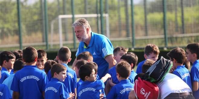 Gürsu'da futbol okulu başladı