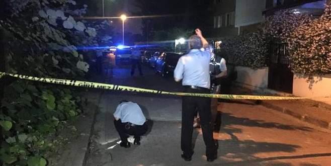 Sokak ortasında gelinini vurdu