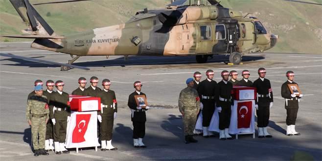 Hakkari'de şehit olan askerler için tören düzenlendi