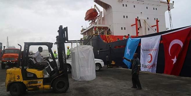 Türkiye'den Somali'ye 13 bin ton insani yardım