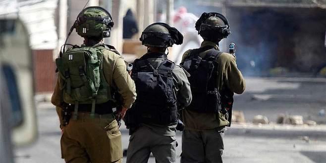 İsrail yüzlerce Filistinliyi Kudüs'ten Batı Şeria'ya gönderdi