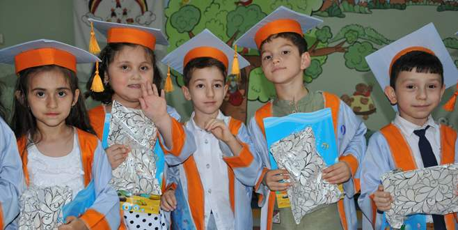 Yeşim Kreşi'nde 29. yıl mezunları