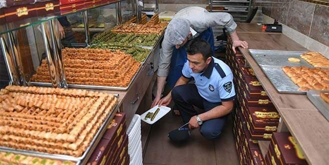 Bursa'da bayram öncesi zabıtadan tatlı imalathanelerine baskın