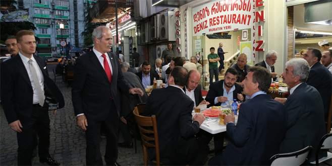 İftar sofraları Batum'da kuruldu