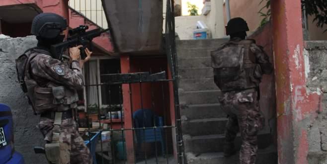 DEAŞ hücre evinde canlı bomba operasyonu