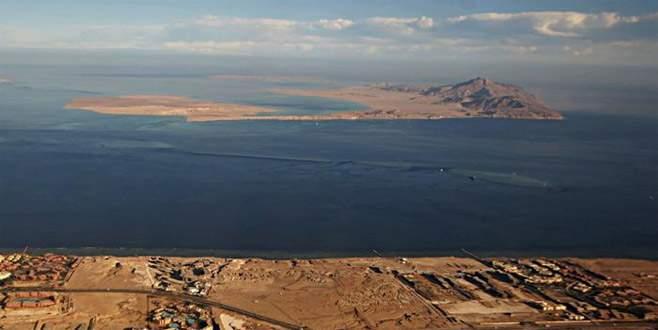 Mısır Suudi'ye ada devretti