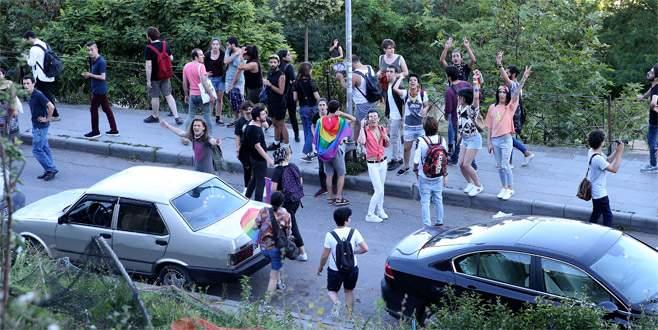 Polis LGBTİ'lilere izin vermedi: 20 gözaltı
