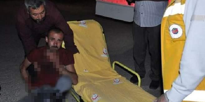 Boğazına saplanan bıçakla hastaneye kaldırıldı