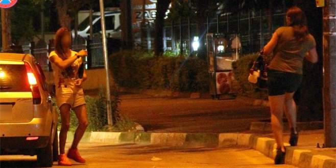 Bursa'da fuhuş için sokaklara çıkan 340 kişiye ceza