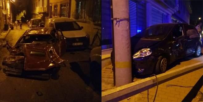 Bursa'da iki otomobil çarpıştı, büyük panik yaşandı