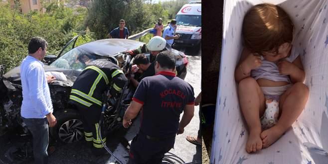 Anne baba yaralandı, Ömer bebeğin burnu bile kanamadı