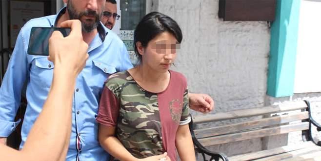 Eşini bıçakla öldüren kadın serbest bırakıldı