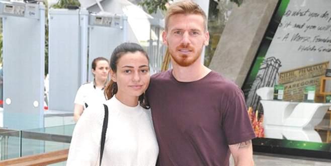 Galatasaray'dan Serdar Aziz'e tebrik