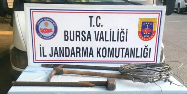 Bursa'da defineciler suçüstü yakalandı!