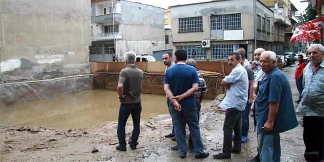 Bursa'da çökme tehlikesi bulunan iki bina boşaltıldı