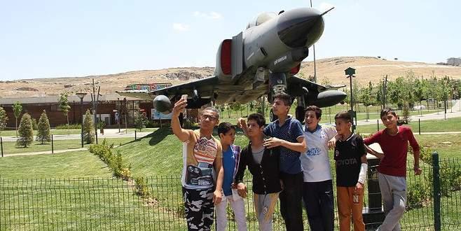 Eski savaş uçakları turizmin hizmetinde