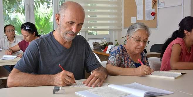 Torun sevgisi 70 yaşında İngilizce kursuna başlattı