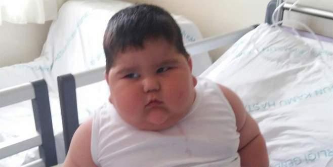 1,5 yaşındaki Yağız bebek 36 kiloya ulaştı