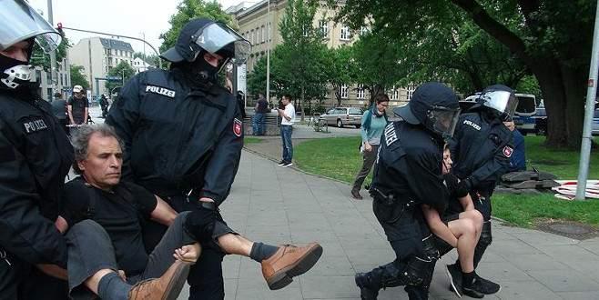 G20 Liderler Zirvesi protestoların eşliğinde sürüyor