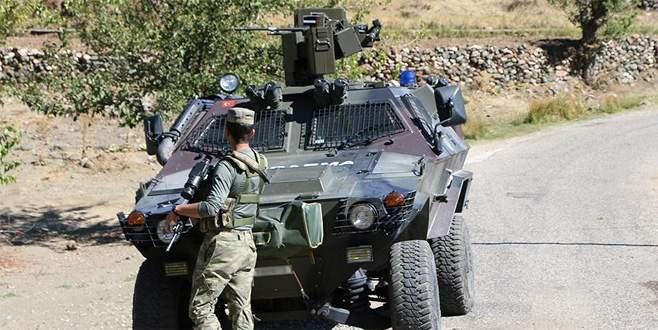 Hakkari'de konvoya terör saldırısı