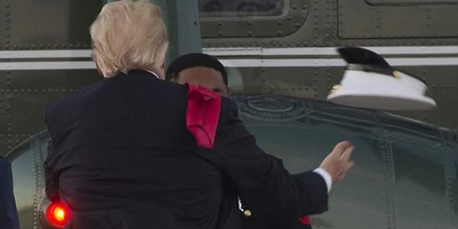 Donald Tramp'ın şapkayla imtihanı