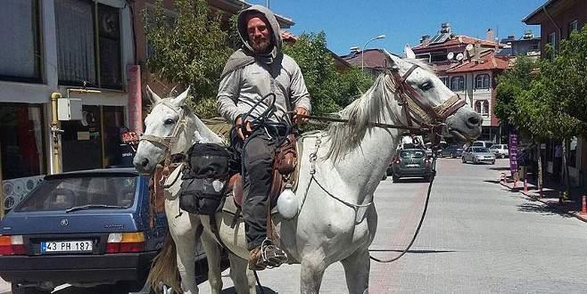 At sırtında 4 bin kilometre
