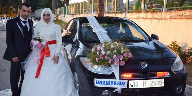 İznik Belediye Başkanı, bedensel engelli personelin düğün masrafını üstlendi