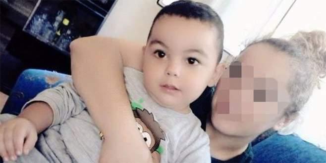 3 yaşındaki oğlunu şarj kablosuyla boğarak öldürdü