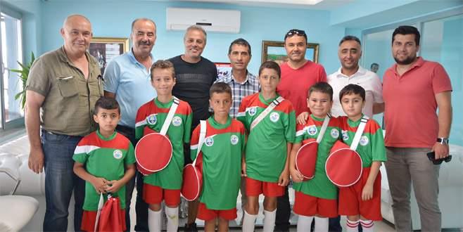 Minik Poyrazlar'a belediyeden destek