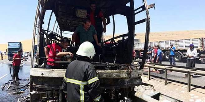 Otobüs alev alev yandı: Yaralılar var