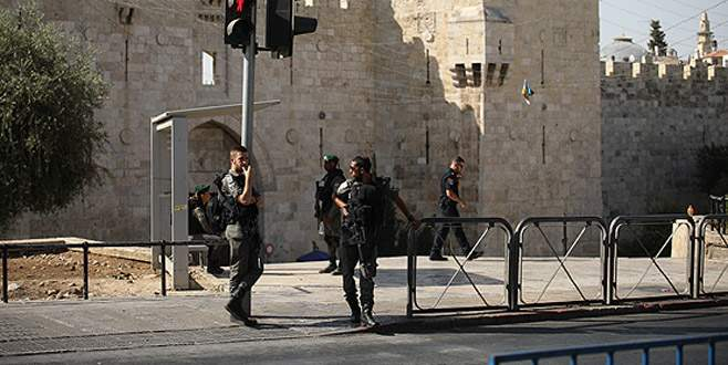 3 Filistinliyi öldüren İsrail polisi Mescid-i Aksa'yı kapattı