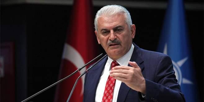 Başbakan'dan OHAL açıklaması ve afiş eleştirilerine yanıt