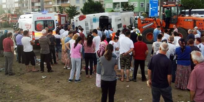 Tur otobüsü devrildi: 38 yaralı