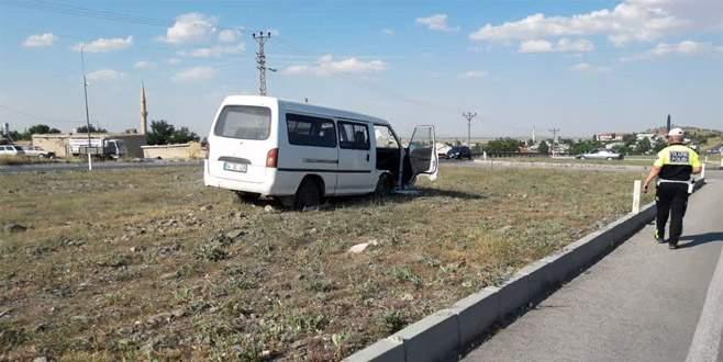 Sürücüsü uyuyan minibüsün çarptığı trafik polisi şehit oldu