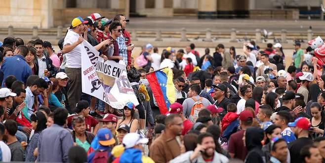 Venezuelalılar anayasanın yeniden yazılmasına karşı