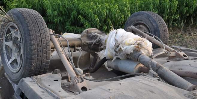 Bursa'da şaftına patates çuvalı dolanan araç takla attı: 4 yaralı