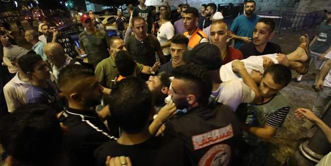 İsrail polisi Mescid-i Aksa hatibi Şeyh Sabri'yi yaraladı