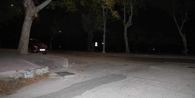 İki kadın silah zoruyla arabaya bindirilerek kaçırıldı