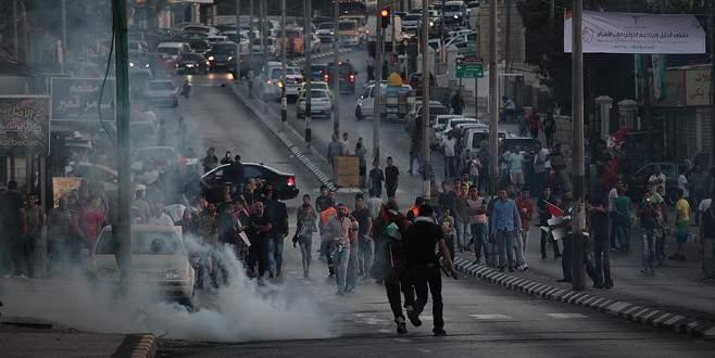 Barı Şeria'da 'İsrail'in Aksa'daki uygulamalarına tepki yürüyüşü'