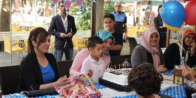 Şehidin çocuğuna doğum günü sürprizi