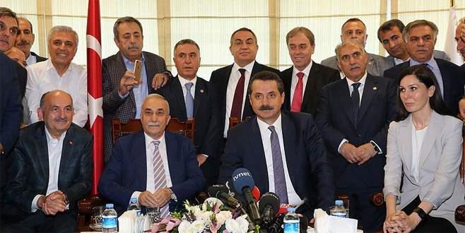 Ahmet Eşref Fakıbaba, görevi Faruk Çelik'ten devraldı