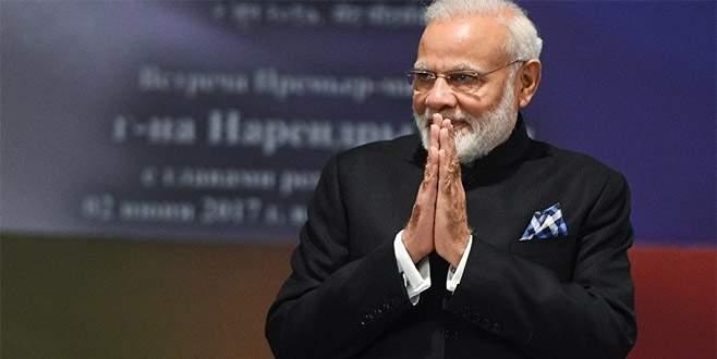 Başbakana çiçek yerine kitap hediye edilecek
