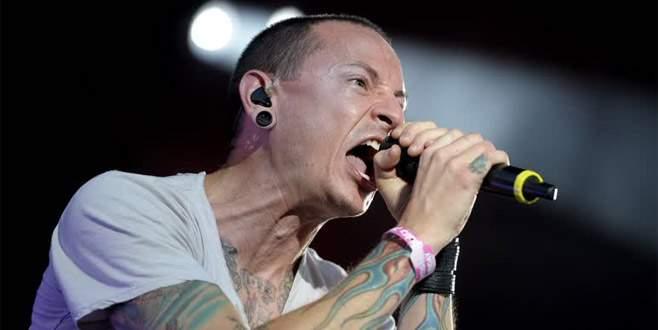 Linkin Park solisti Chester Bennington hayatını kaybetti