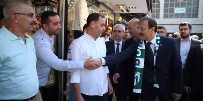 Başbakan Yardımcısı Çavuşoğlu'ndan Kapalıçarşı esnafına ziyaret